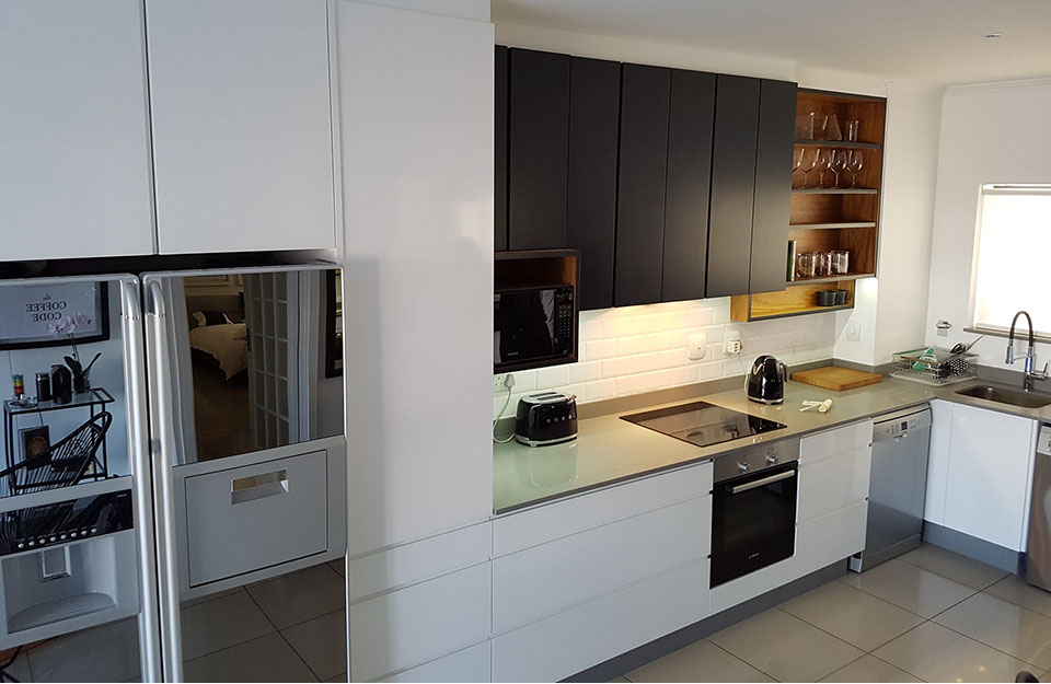 Image Of An Exclusive Comtemporary Kitchen Installed By Inspiring Kitchens In Duco And Veneer For A